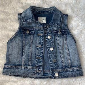 Girls button down blue jean vest with two pockets
